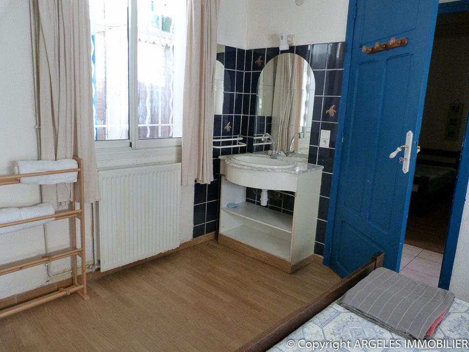 Vente achat maison avec 3 appartements a argeles plage for Achat maison appartement